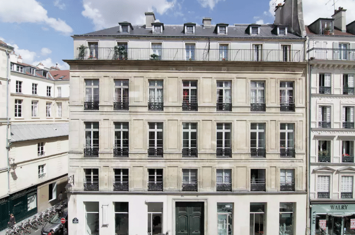 Romantic AirBNBs in Paris - Artist Loft in Le Marais
